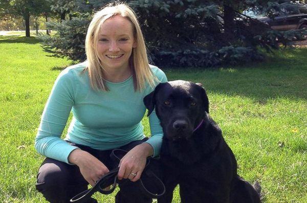 Câinele de companie se află în gardă pentru copiii canadieni care depun mărturie în instanță