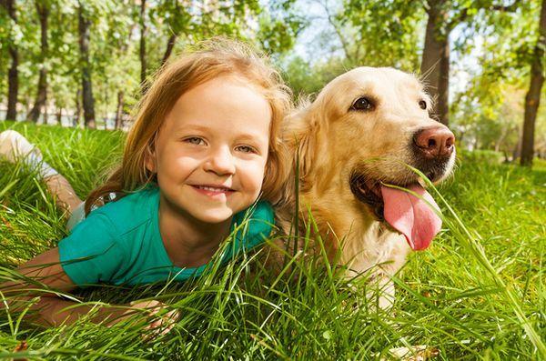 Cercetările arată că copiii sunt mai aproape de animale decât de frații